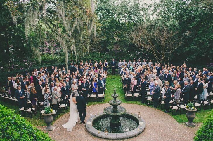 Katie and Derick knew they wanted to keep their wedding casual in an outdoor setting while still remaining elegant. The breathtaking antebellum gardens of Thomas Bennett House in Charleston, South Carolina, offered the perfect location for a lawn ceremony and reception and cut down on decoration costs.