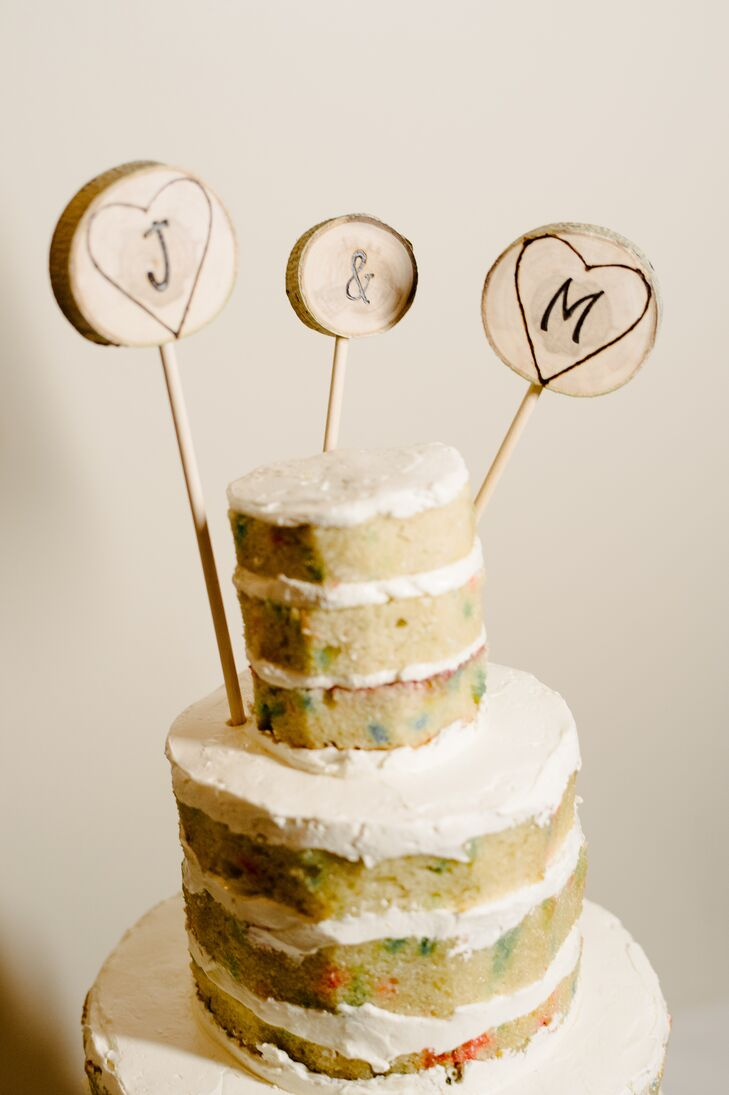 Naked funfetti cake captured the essence of the laid-back affair, while infusing it with a fun and delicious twist.