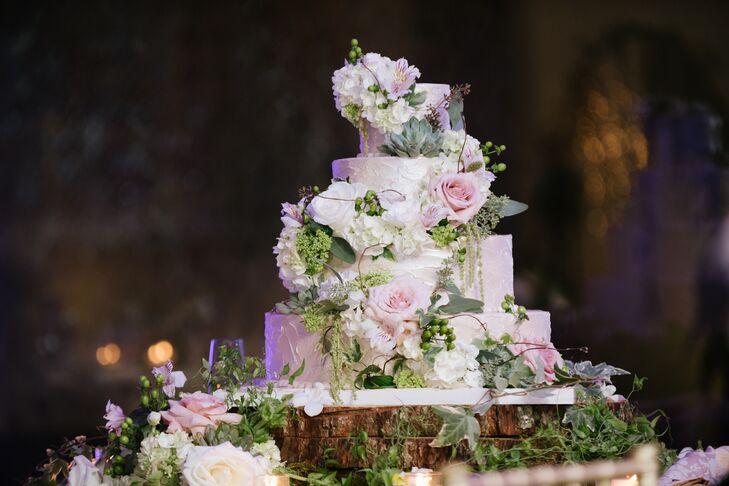 Rustic Garden-Inspired Wedding Cake
