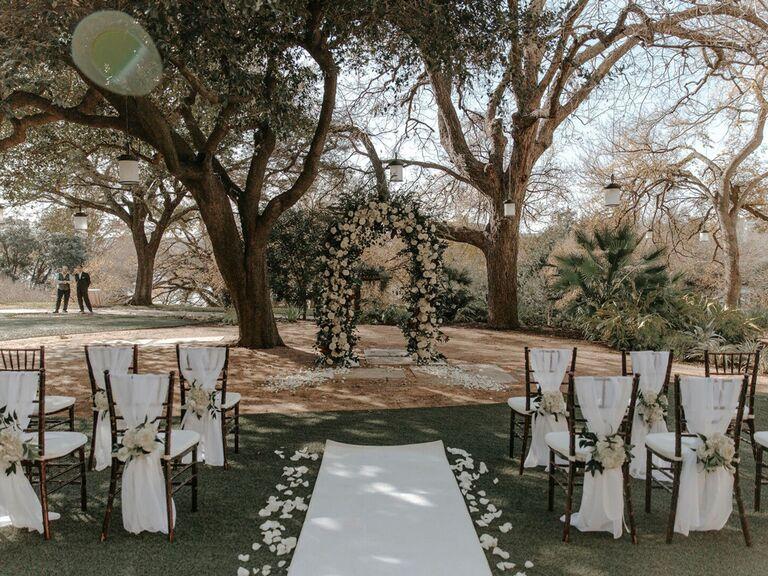 Mircrowedding ceremony setup