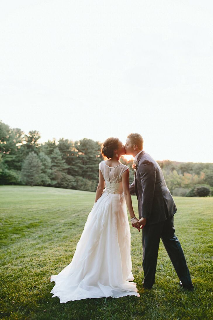 Amy and John accomplished a sophisticated-yet-relaxed vibe for their garden affair.