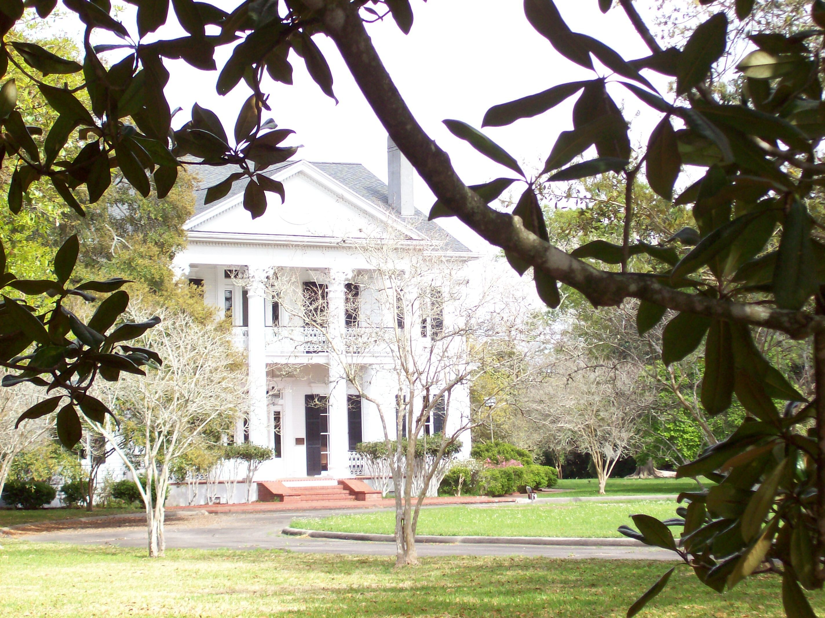 Arlington Plantation House And Gardens