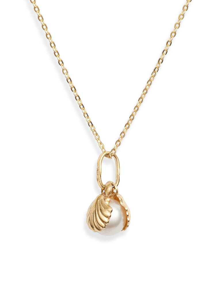 Gold seashell pearl wedding necklace for beach wedding