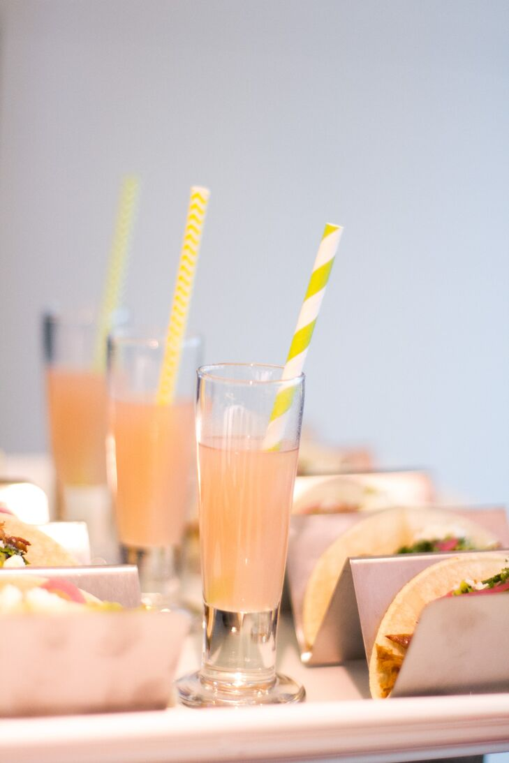 During cocktail hour, guests sipped freshly squeezed lime margaritas and cherry limeade sparklers.