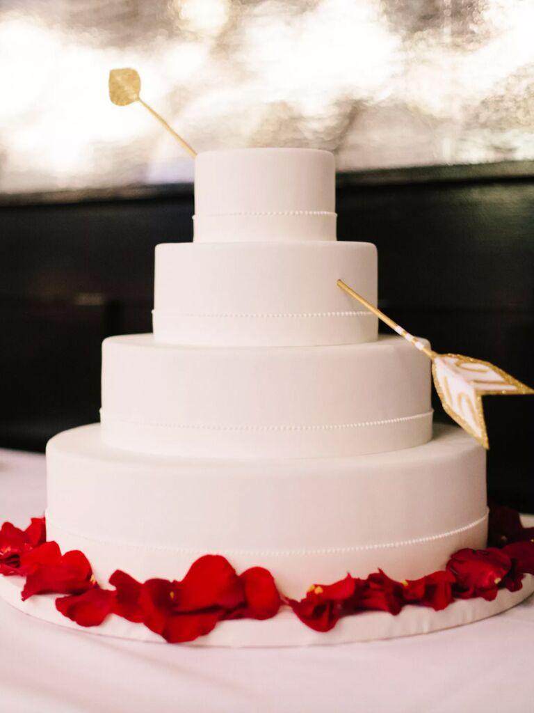 winter wedding ideas cupid's arrow cake