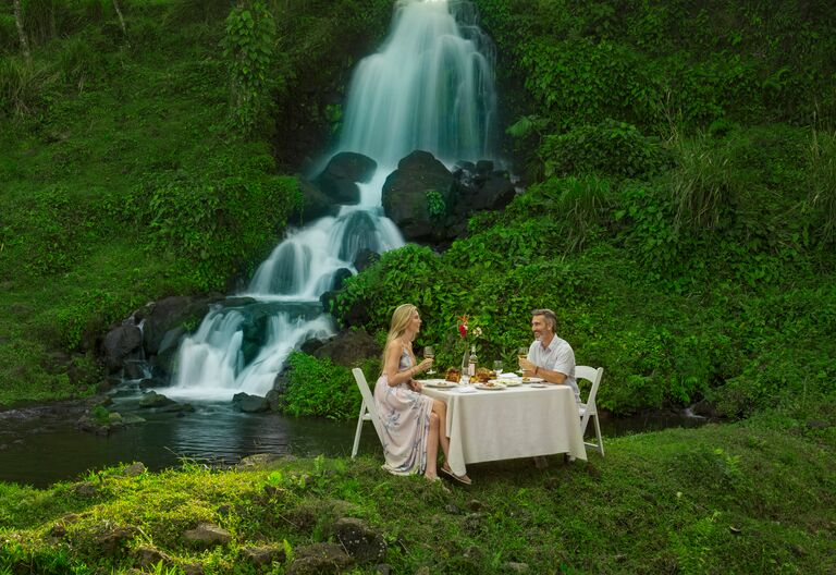 waterfall romantic picnic costa rica