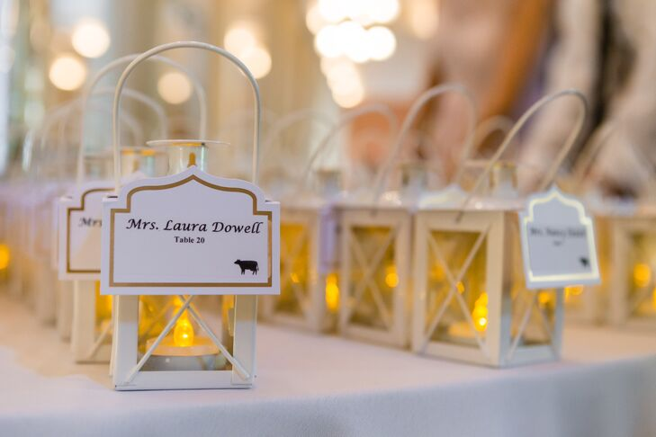 Gold Accent Place Cards on Mini Lanterns