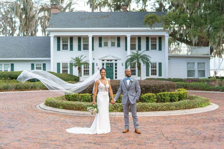 Wanda Trott and Chè Michael Murray live in Bermuda, but when it came time to select a destination for their wedding, Orlando, Florida, was just what t