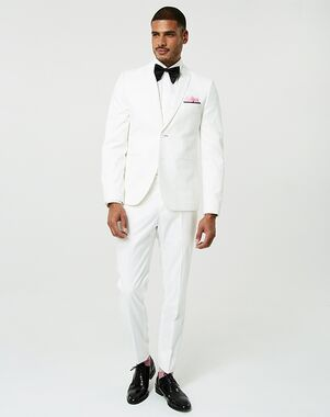 LE CHÂTEAU Wedding Boutique Tuxedos MENSWEAR_361963_001 White Tuxedo