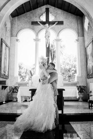Erin and Paulo First Kiss at Grand Palladium Resort