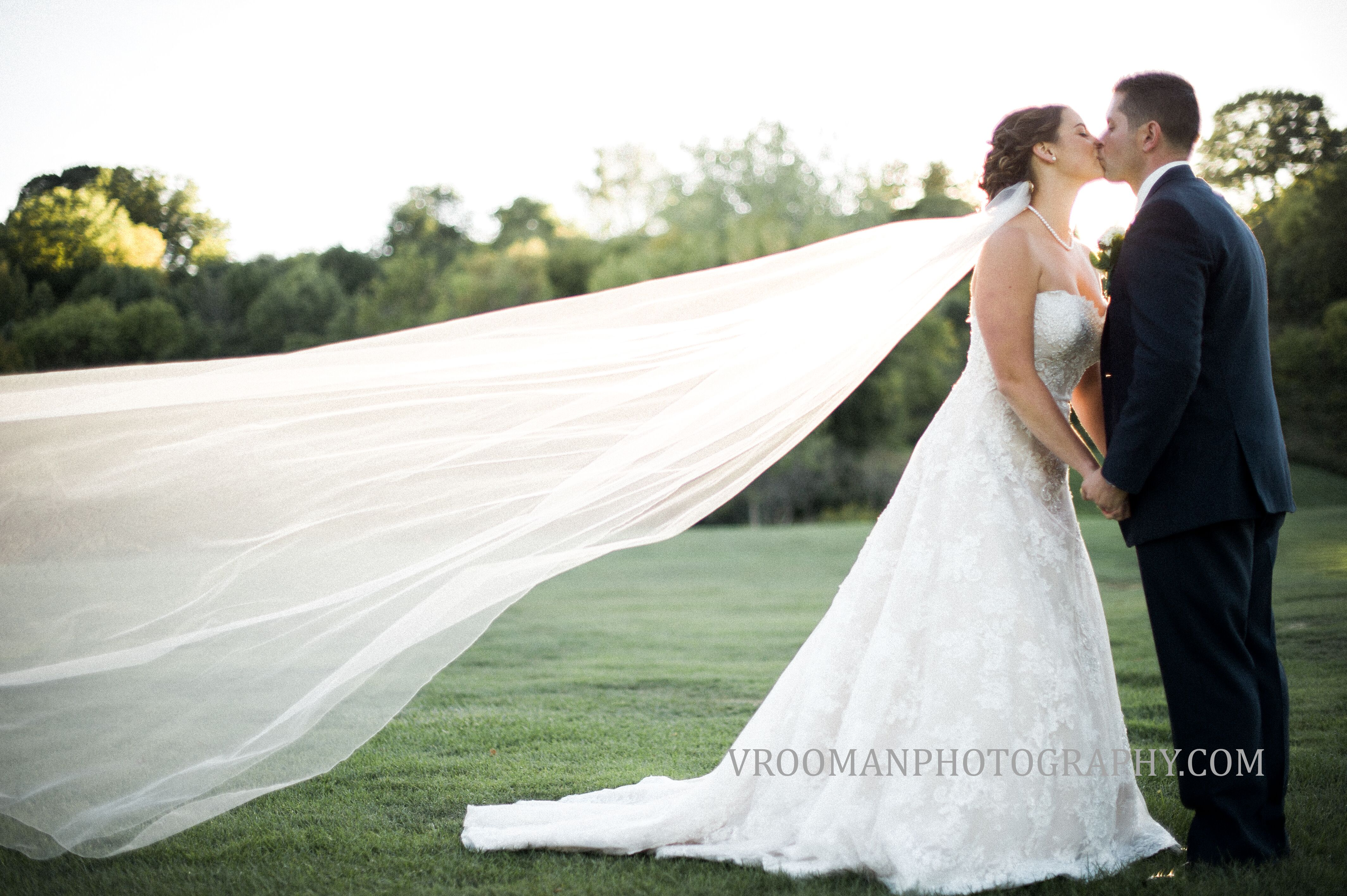 My Bridal Fashion Guide To Simple Wedding Dresses Nyc: Pascales At Drumlins Country Club