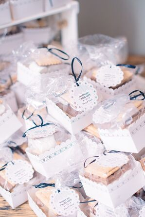 DIY S'mores Wedding Favors