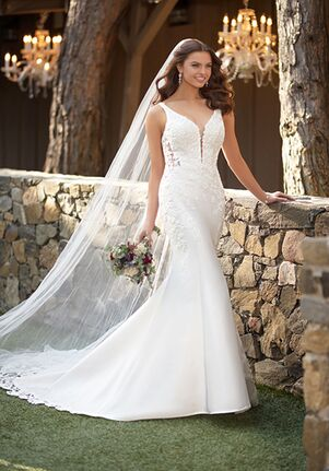 Essense of Australia D2832 Mermaid Wedding Dress