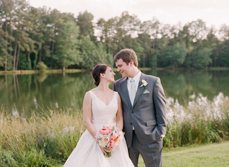 Katharine McMahon (28 and an engineer) and Nate Miller (29 and a resident) planned a rustic-glam affair with a mint, pink and go