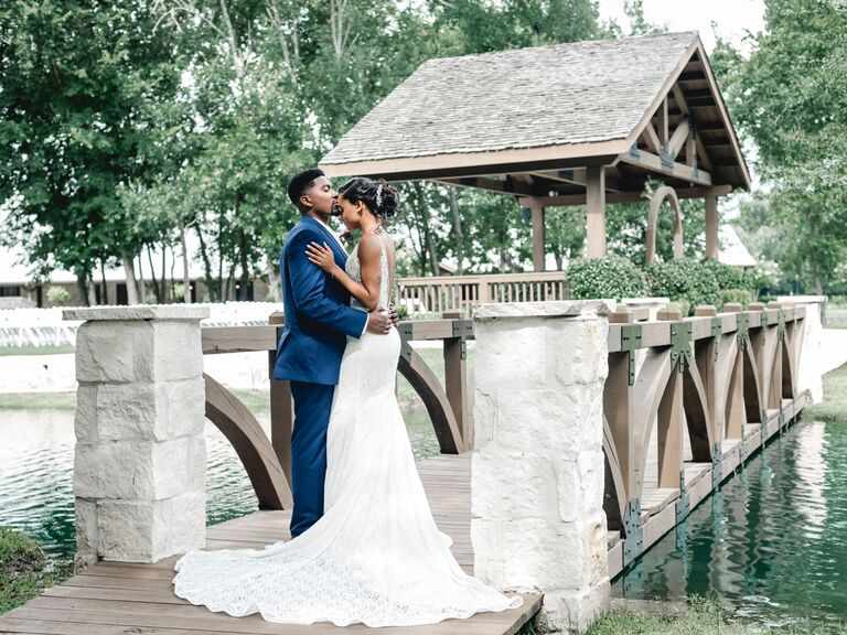 Couple getting married in Texas