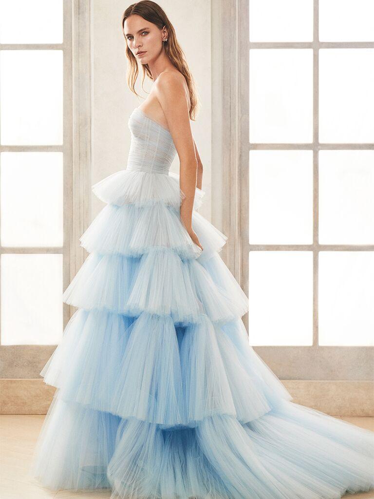 oscar de la renta strapless blue gown tiered