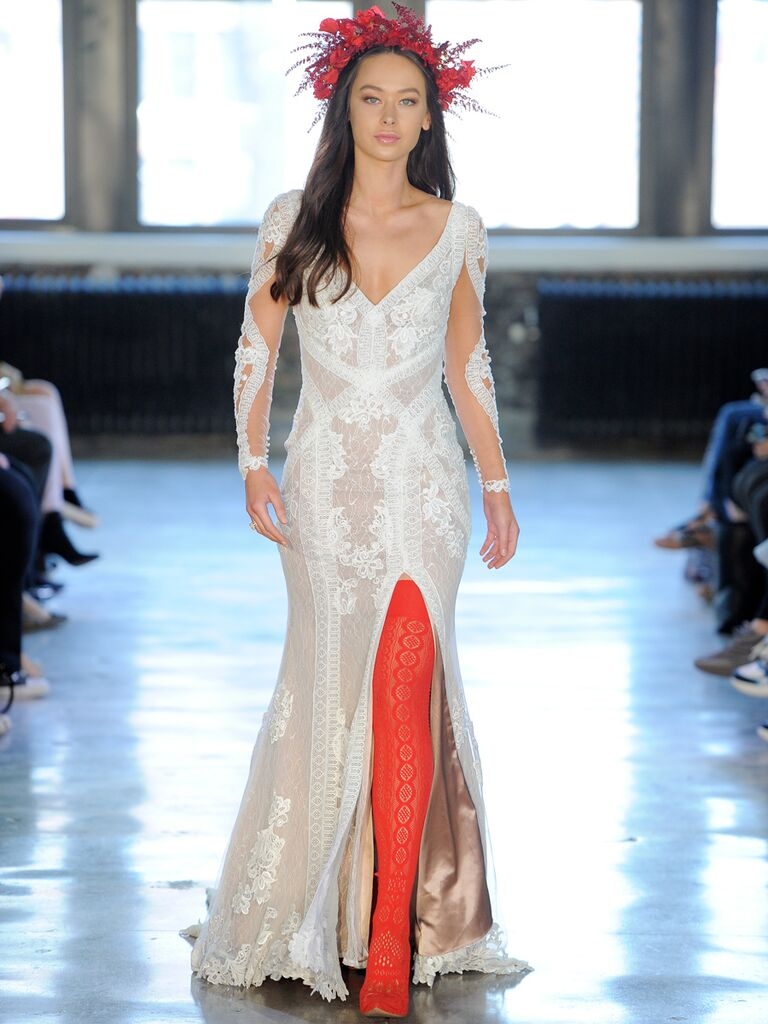 Willowby by Watters Fall 2018 Collection: Bridal Fashion Week Photos