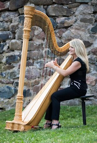 Laurie Leigh Harpist