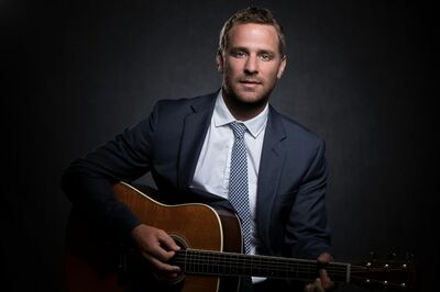 Travis Winkley (Acoustic Performer)