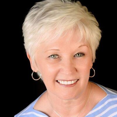 Reverend Joyce Hilbery - MDDCWeddings