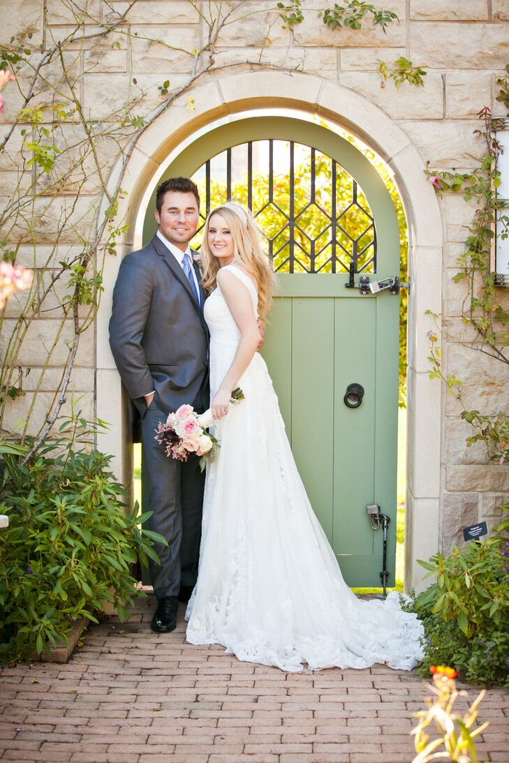 Kristen's ivory A-line gown had a lace overlay, complementing the vintage feel she wanted for her wedding.