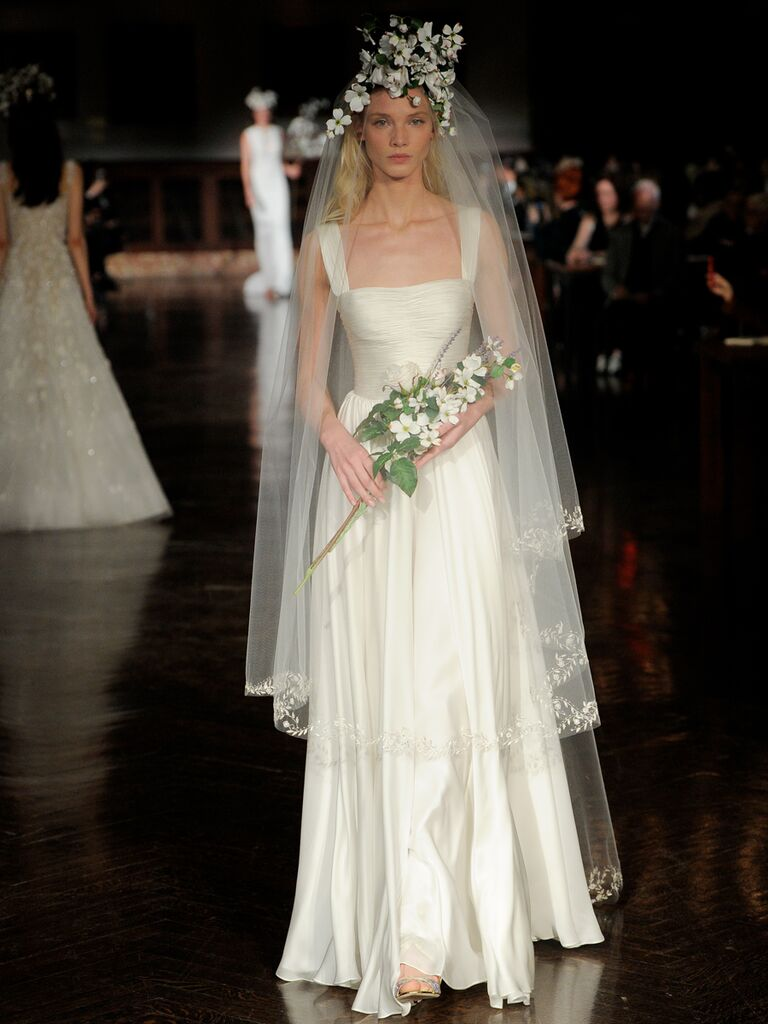 Reem Acra Spring 2019 simple white wedding dress with long veil