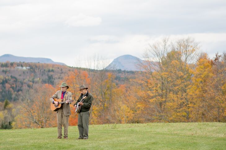 The bride and groom, lovers of folk and bluegrass music, processed to the nontraditional tune of a bluegrass duet-- featuring a banjo and acoustic guitar.