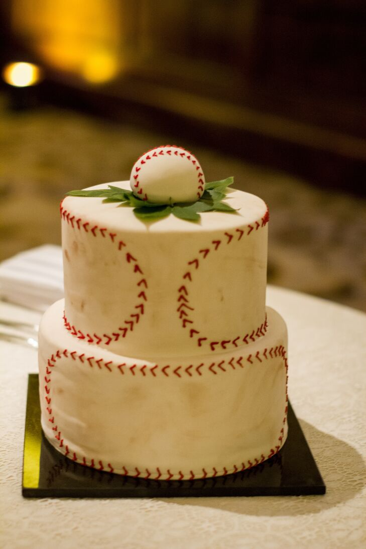 Chris got his own baseball themed groom's cake, complete with red stitching!