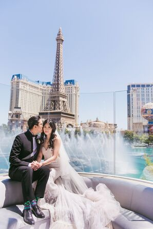 Stylish, Modern Las Vegas Destination Wedding