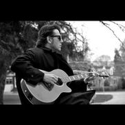 Appleton, WI Acoustic Guitar | Danny Vee