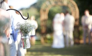 Simple Hanging Baby's Breath Aisle Decor