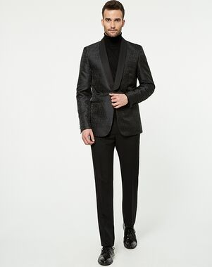 LE CHÂTEAU Wedding Boutique Tuxedos MENSWEAR_359573_010 Black Tuxedo