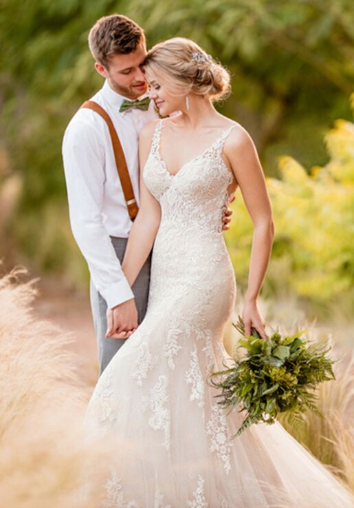 Essense of Australia D2387 Wedding Dress