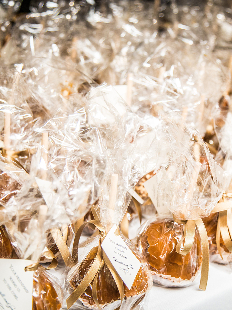 Wedding Favor Ideas For Fall Weddings