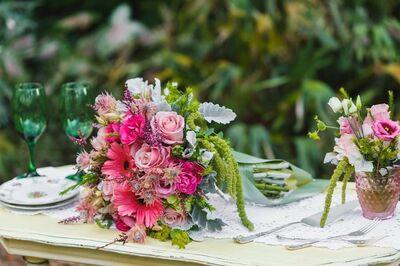 Atmospheres Floral & Decor