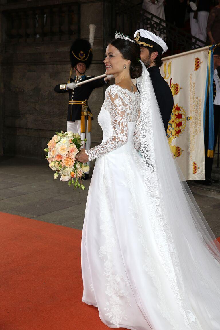 The 5 Most Gorgeous Photos of Sofia Hellqvist\'s Wedding Dress