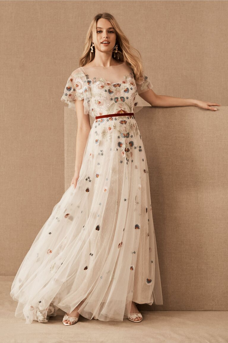 Colored Wedding Dresses To Consider If White Isn T Your Color,Wedding Dresses Off The Rack Dublin