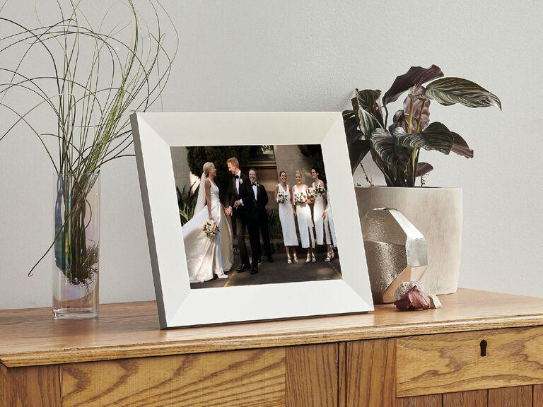 Digital photo frame with wedding photos