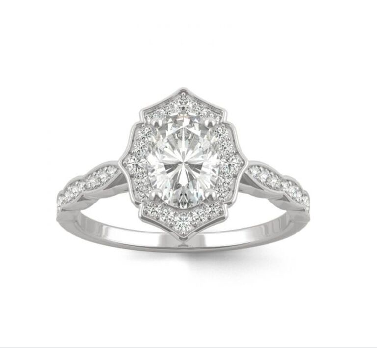 oval engagement ring,