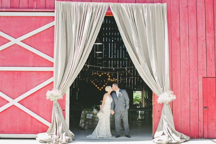 With natural open land that had an on-site red barn and Victorian estate, Camarillo Ranch in Camarillo, California, was the perfect venue for this rus
