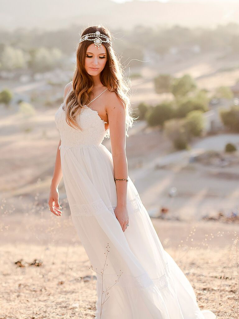 17 Boho Lace Wedding Dresses for the Free-Spirited Bride