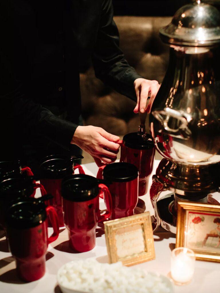 winter wedding ideas red mug favors