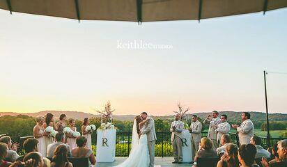 Wedding Venues Missouri Defiance Chandler Hill Vineyards Front Photo
