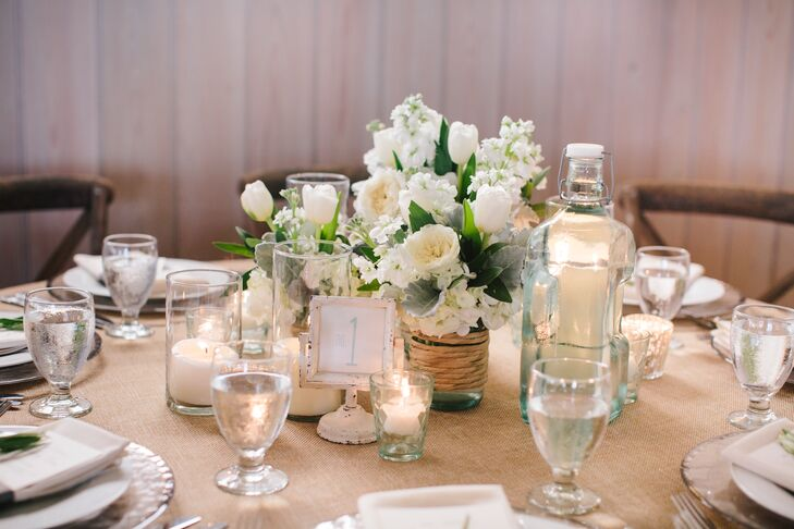 Neutral Centerpieces with Subtle Beachy Vibe