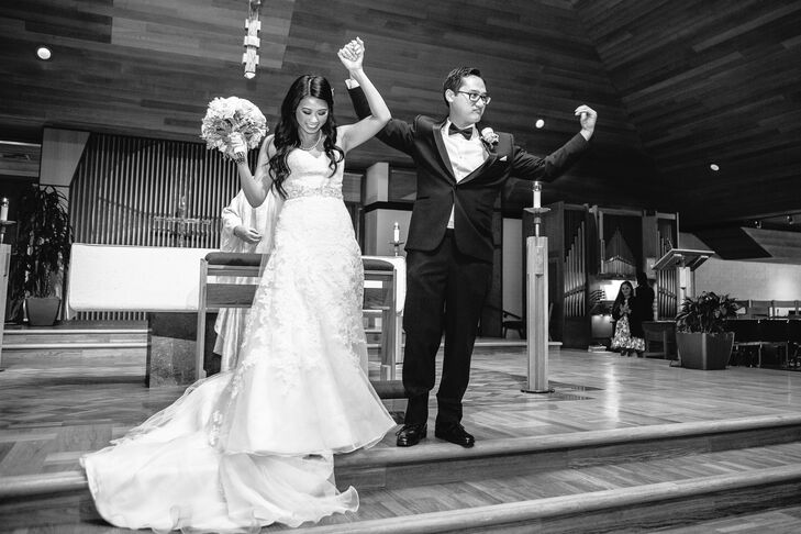 After the Catholic wedding mass, the newlyweds and their guests moved to Carmel Mountain Ranch Country Club in San Diego, California, for the reception.
