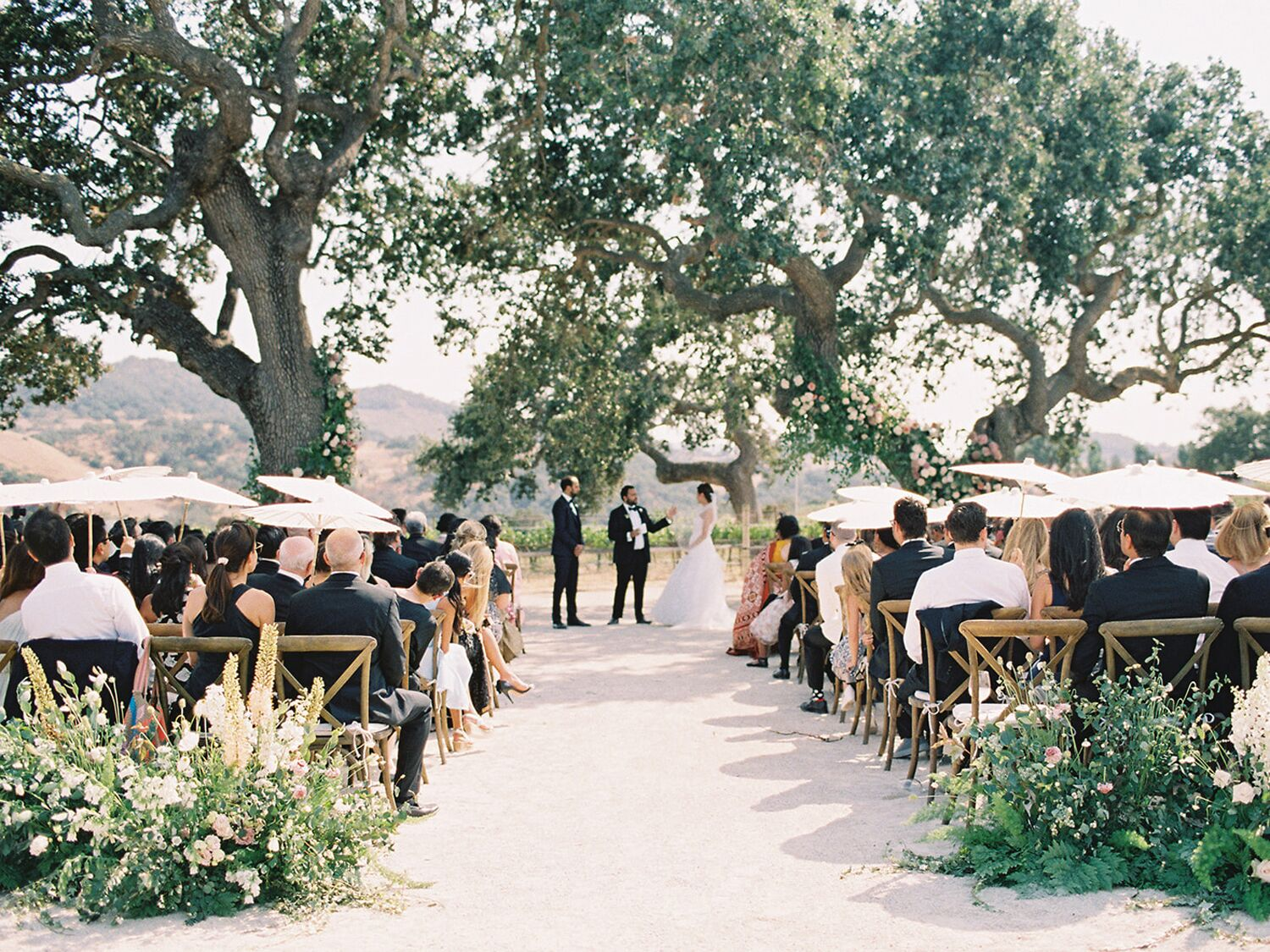 How to Plan a Vineyard Wedding, From Top to Bottom
