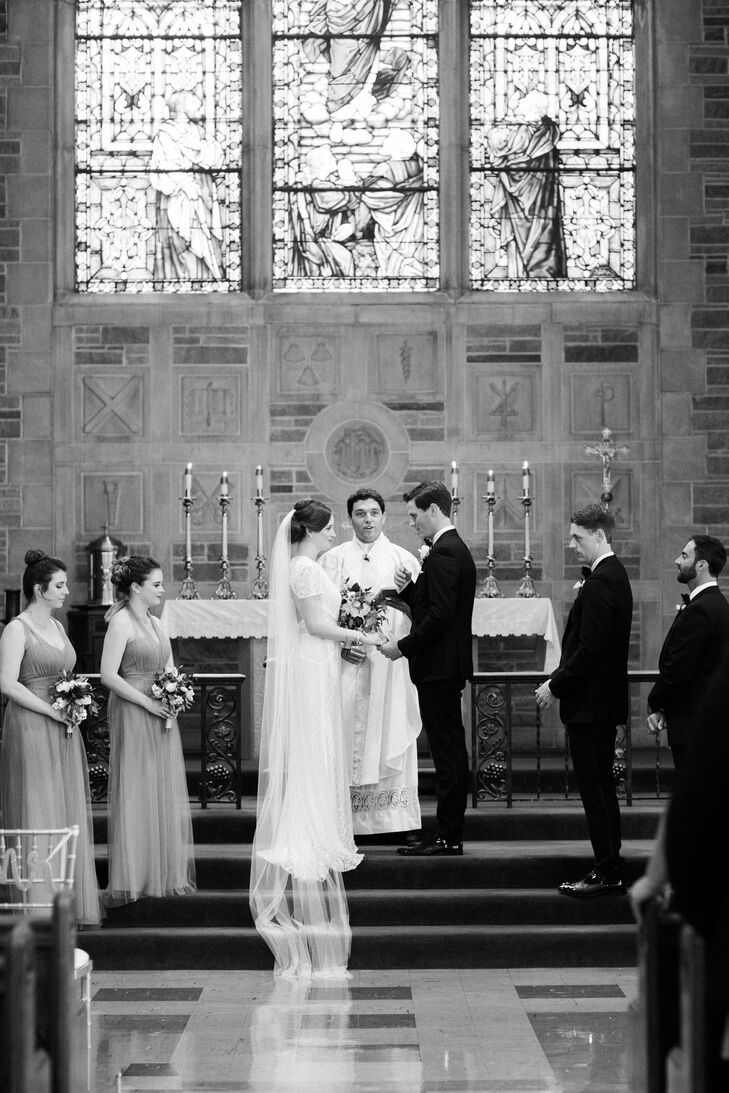 Hannah and Jordan, who attended Augustana College as undergrads, had a traditional Catholic ceremony at the campus chapel.