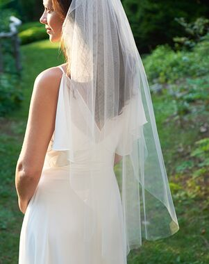 Dareth Colburn Simple Cut Edge Veil (VB-5090) Ivory, White Veil