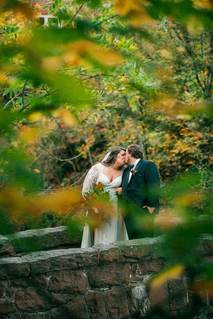 Elegant Couple Kissing at Glensheen in Duluth, Minnesota