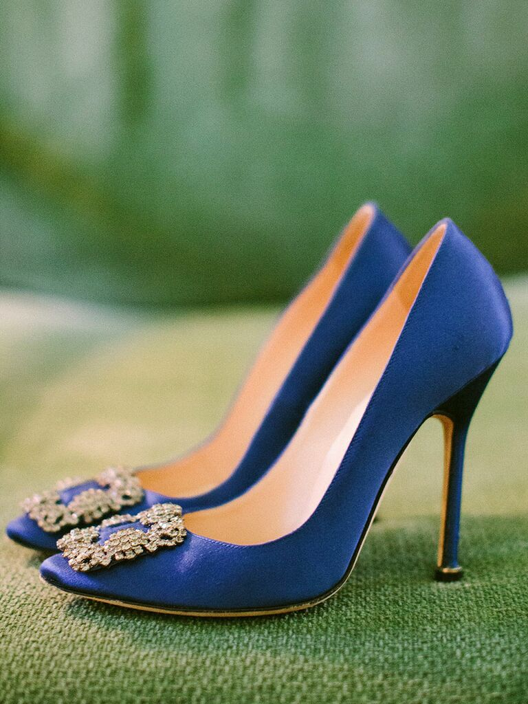 Blue wedding shoes Manolo Blahnik Hangisi pumps